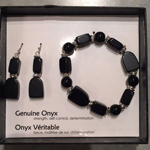 Onyx bracelet and earrings set